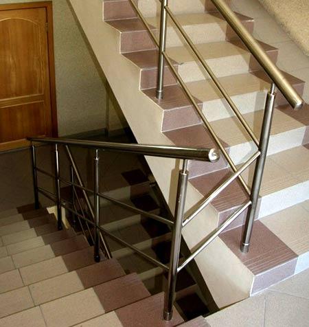 лестница многоквартирный дом