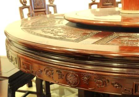 стол из махагона