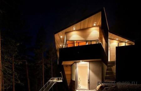 многоуровневый дом на крутом склоне горы