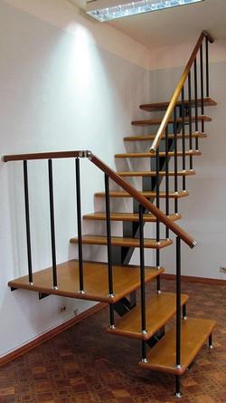 модульная лестница в доме