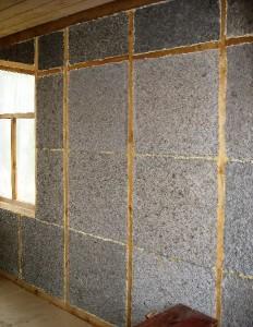 стены монолитного дома из арболита