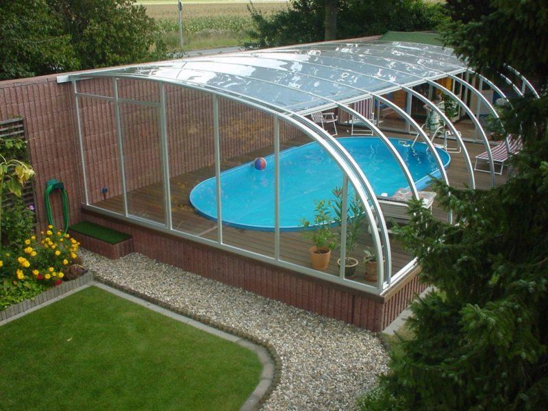 Бассейн с откидной крышей