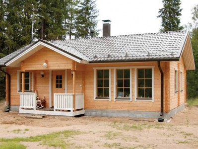 одноэтажный дачный домик из бруса