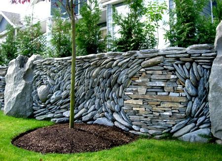 оригинальный каменный забор