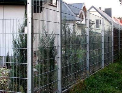 панельный забор из сетки