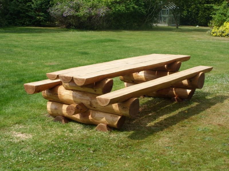 небольшом скамейки и столы из бревна фото плитка утренний пейзаж