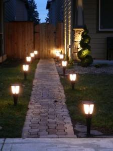 подсветка дорожки к дому