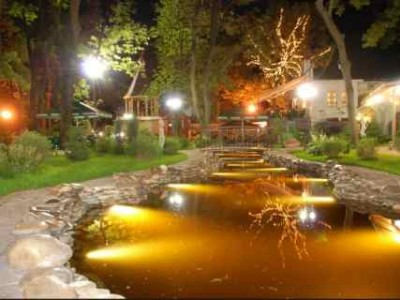 подсветка водоема на даче