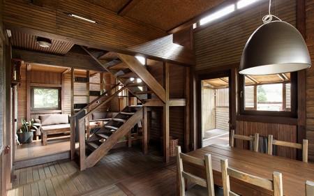 поворотная деревянная маршевая лестница