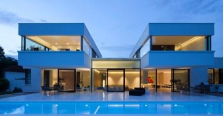 проект дома с плоской крышей и бассейном