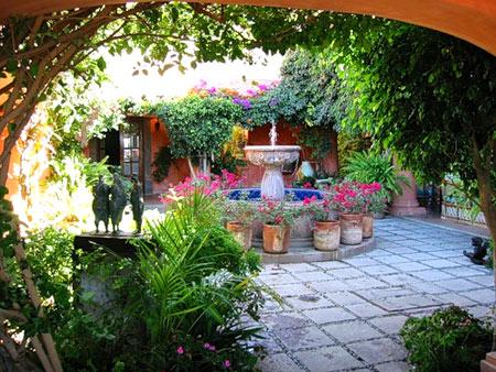 Внутренний дворик в испанских домах