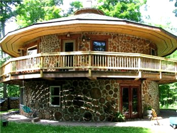 Дом из пиленных бревен