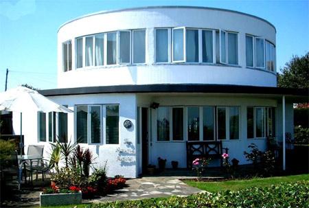 двухэтажный круглый дом