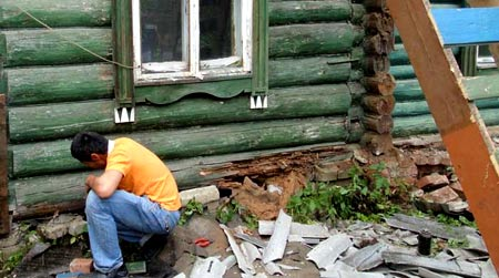 разрушенные венцы дома