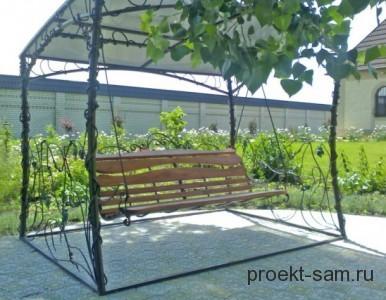 садовые качели обвитые виноградными лозами