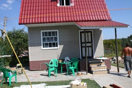 дом из кирпича для сезонного проживания