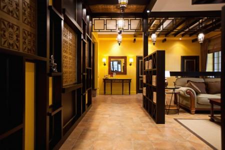 широкий коридор в доме