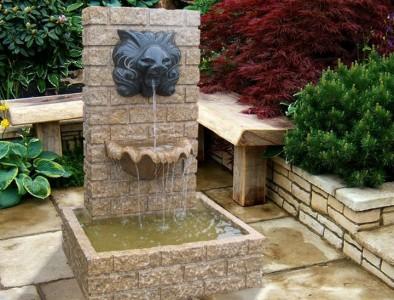 фонтан со скамейкой