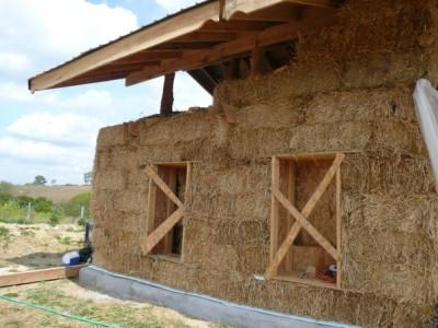 строительство дома из соломенных блоков
