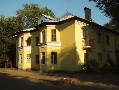 сталинский дом с эркерами