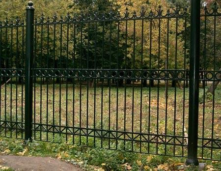 забор из стальных прутьев