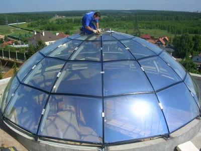 стеклянная крыша в виде купола