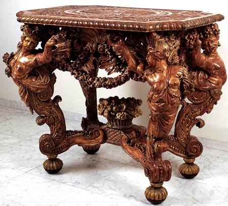 резной дубовый стол