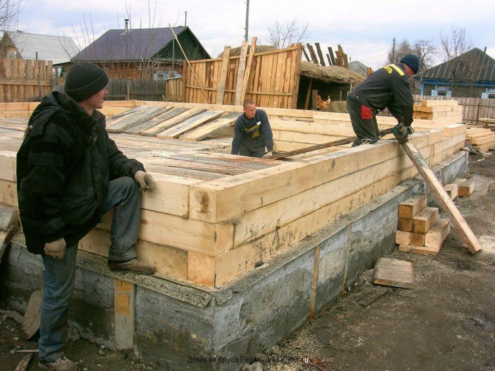 Как построить деревянный дом своими руками от фундамента до крыши 25