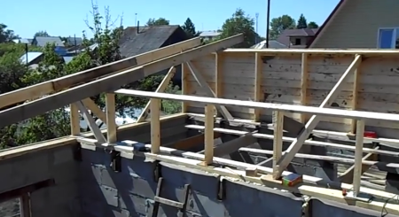 строительство односкатной крыши