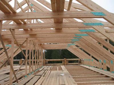 стропильная система деревянной мансардной крыши дома