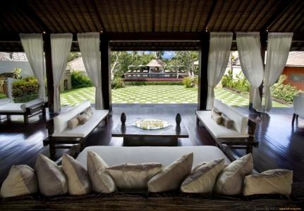 терраса-гостиная в загородном доме