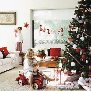 новогодняя елка и дети
