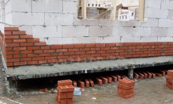 свайный фундамент  под дом
