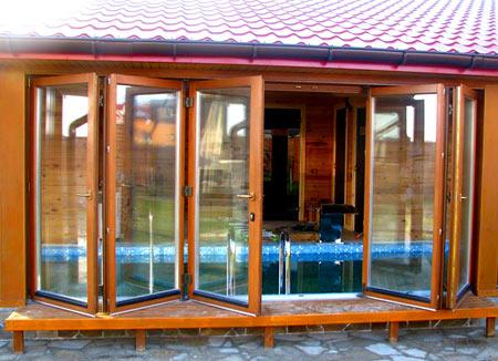 веранда со стеклянной стеной