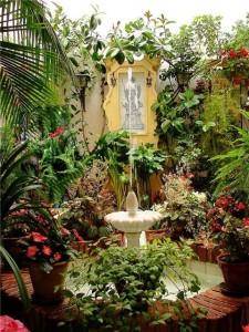 внутренний испанский дворик