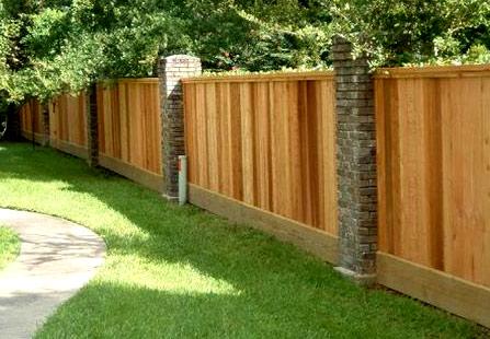 деревянный глухой забор
