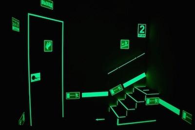 фотолюминесцентные эвакуационные знаки
